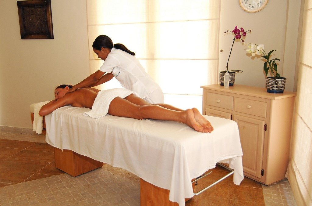 Why a Relaxing Massage is the Best Gift for the Holidays